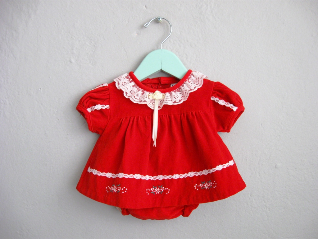 Two Piece Red Velvet Baby Dress White Lace Floral Embroidery